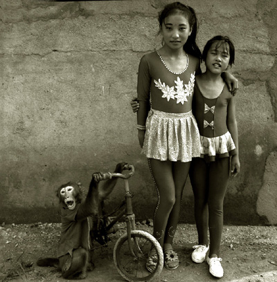 Chinese_acrobats